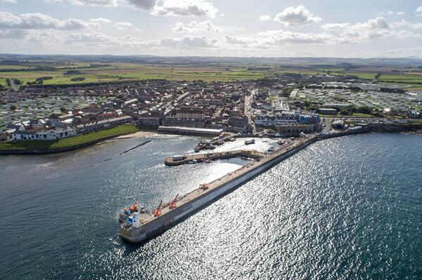 Photo-2-Seahouses-Harbour
