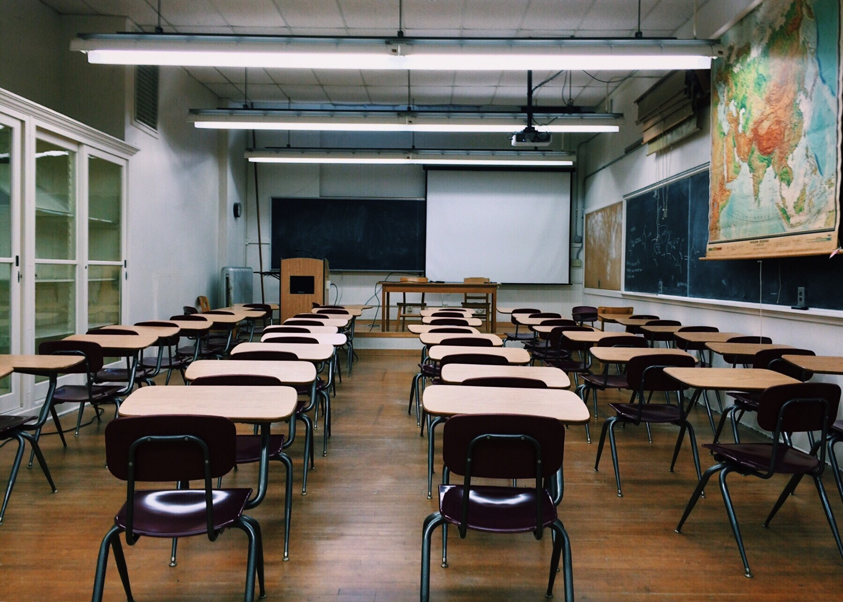 classroom-2093743